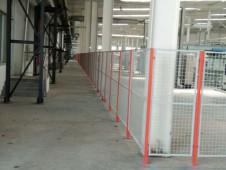 地板厂用双色护栏网顺利交货